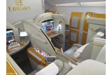B777 B/E Aerospace First Class Suits